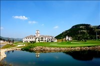 山东亚博app下载链接崮云湖高尔夫俱乐部